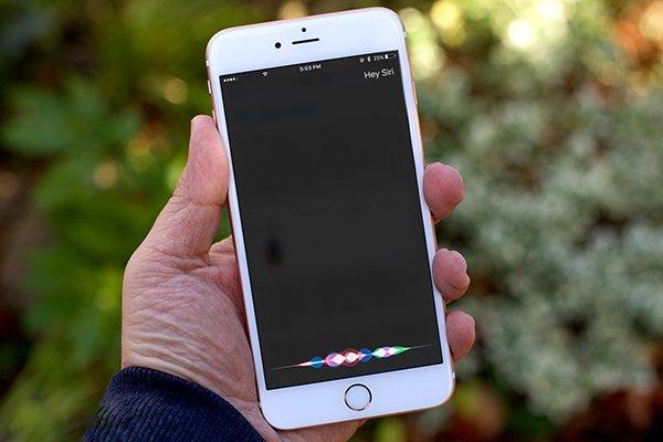 Come attivare Siri su iPhone
